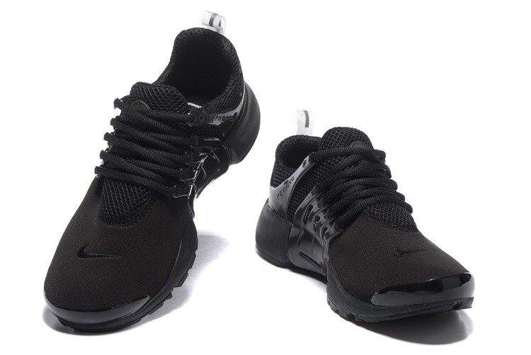all black nike shoes womens 685cbc4802