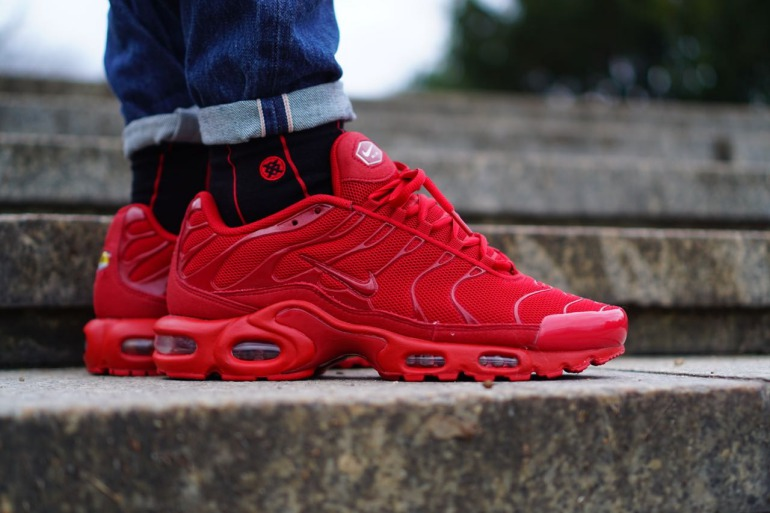 all red nike air max 1808ce38f