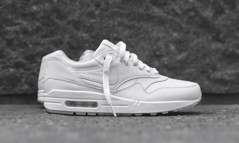 cheap for discount bcf74 07969 all white nike air max