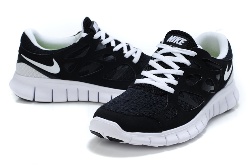 new style ed4a1 faa24 black and white nike running shoes
