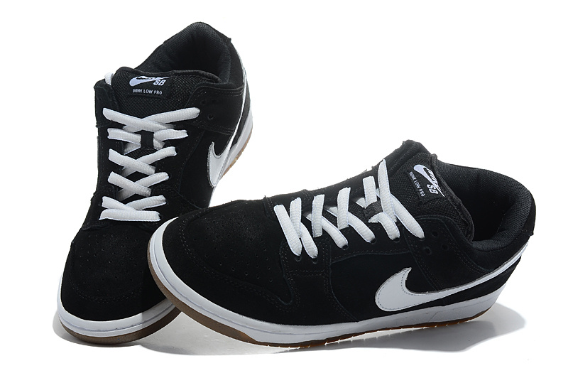 99d0cefadd9 black and white nike shoes mens