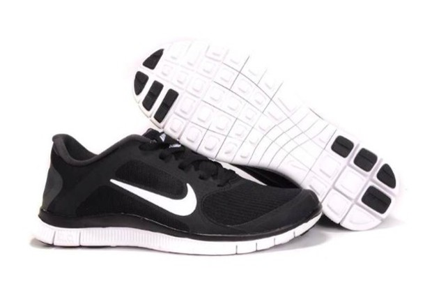 b6368c4e4c9 Black And White Womens Nike Shoes   Buy Nike Sneakers   Shoes