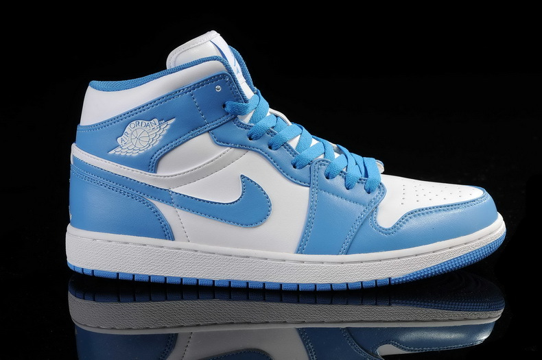 pretty nice af611 919a3 blue and white nike shoes