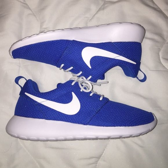 blue and white nike shoes