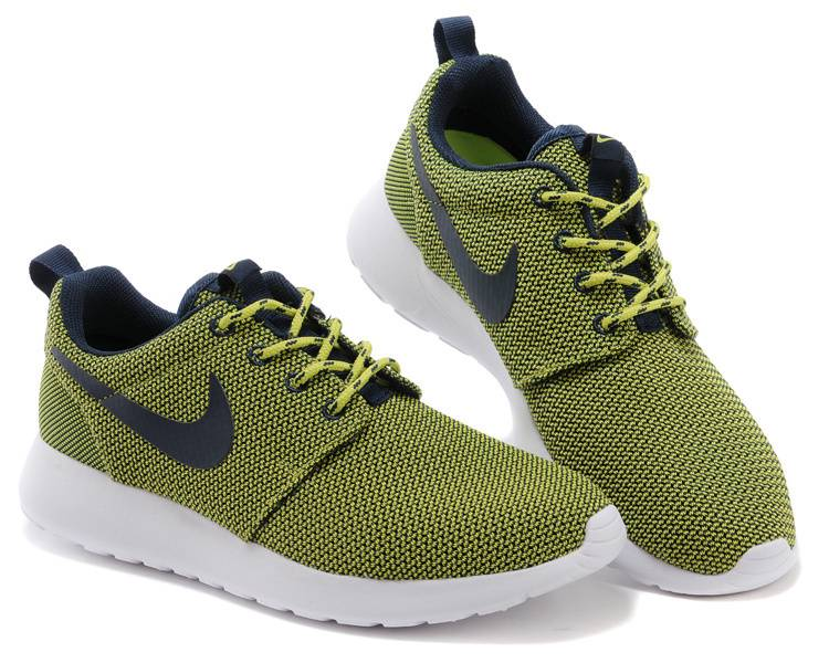 green nike shoes womens