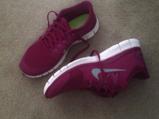 maroon nike shoes womens