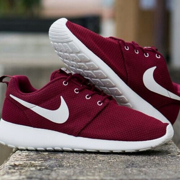 a63b34071a90 Maroon Nike Shoes   Buy Nike Sneakers   Shoes