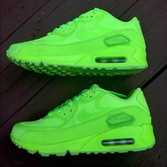 neon nike shoes