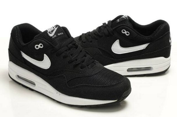 free shipping 46f55 41315 nike air max black and white