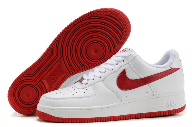 bcb0fde775839 red and white nike shoes