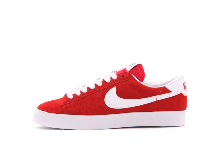 6d6938cc665 red and white nike shoes