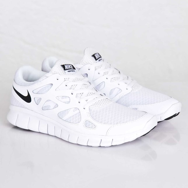 a77dce1780a white nike running shoes mens